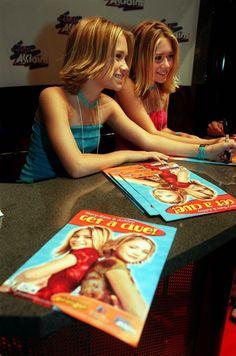 Ah, aquellas niñas tan monas de Padres forzosos. Pues sí. Se han hecho mayores. Mary Kate y Ashley Olsen cumplen 30 años y aprovechamos para repasar su álbum de fotos.