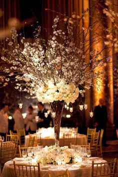 12 Fabulous Centerpieces for Fall Weddings | Photography: Mel Barlow, Floral Design: TantawanBloom