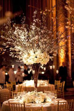 12 Fabulous Centerpieces for Fall Weddings | Photography: Mel Barlow, Floral Design: TantawanBloom