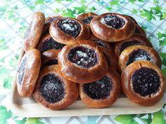 Pienet mustikkapiirakat uusista mustikoista Pretzel Bites, Bread, Food, Brot, Essen, Baking, Meals, Breads, Buns
