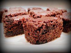 Banános brownie (vegán) Krispie Treats, Rice Krispies, Brownies, Vegan Bar, Banana Bread, Cake, Food, Cake Brownies, Kuchen