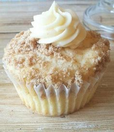 Recipe For New York Style Cheesecake Cupcakes - When I make these, people just RAVE about them! The crumbled cookies sprinkled on top add the flavor of a cheesecake base..