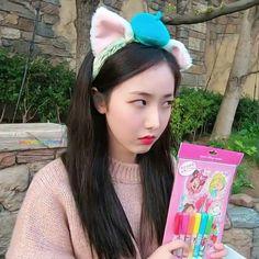 GFriend's SinB (Hwang Eunbi) - in Japan Disneyland on March 2019 Sinb Gfriend, Role Player, G Friend, Queen B, Korean Singer, K Idols, Funny Images, Kpop Girls, Disneyland