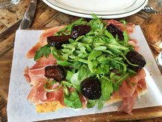 Rosemary's in the West Village for a sunny farm-to-table brunch or pastalicious dinner #5boropassport