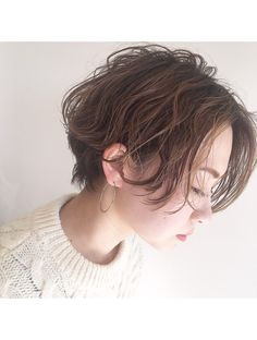 Long Pixie Hairstyles, Girls Short Haircuts, Short Girls, Cute Hairstyles, Short Hair Cuts For Round Faces, Long Pixie Cuts, Androgynous Haircut, Salon Style, Aesthetic Hair