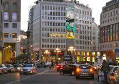 Affissioni luminose Piazza San Babila,  Milano