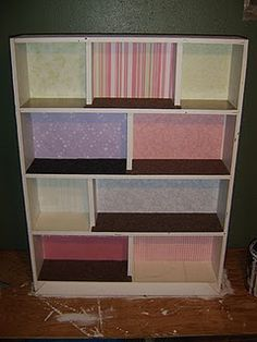 Maybe use a bookcase as a doll house. lots of room! Diy Dollhouse, Dollhouse Miniatures, Monster High Crafts, Projects For Kids, Diy Projects, Barbie Doll House, Kids Wood, Heart For Kids, Doll Furniture