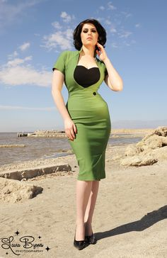 Veronica Dress in Green with Black Heart