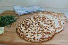 An easy coconut flour flatbread with pysllium husk powder is a soft, pliable keto bread that can be used for sandwich wraps, tortillas or served with dips Gluten Free Recipes, Low Carb Recipes, Bread Recipes, Cooking Recipes, Kitchen Recipes, Vegan Recipes, Dairy Free Pizza, Grain Free Bread, Psyllium Husk Recipe