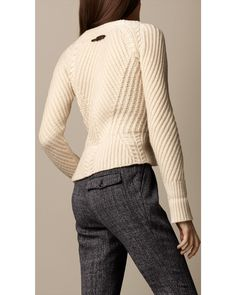 Explore all women's clothing from Burberry including dresses, tailoring, casual separates and more in both seasonal and runway designs Knit Wrap, Sweater Weather, Rib Knit, Body, Nice Dresses, Cardigans, Knit Sweaters, Knitting Patterns, Vestidos