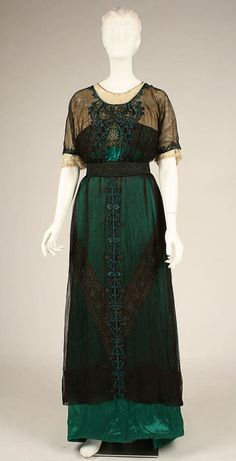 1909. green evening dress