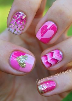 Pink & Gold Glitter Nail Art Designs