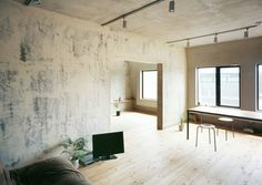 Minimalist Apartment in Tokyo by Naruse Inokuma Architects / Minimalist Living Room Interior Minimalista, Minimalist Apartment, Minimalist Interior, Minimalist Living, Tokyo Apartment, Plywood Interior, Appartement Design, Interior Architecture, Interior Design