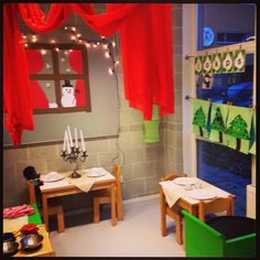 Huishoek wordt restaurant in december, knus hoor! Preschool Restaurant, Restaurant Themes, Pizza Restaurant, Play Corner, Corner House, Dramatic Play Area, Dramatic Play Centers, Christmas Eve Meal, Preschool Food
