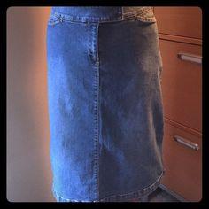 🎊new price 🎊 A-line denim skirt. Stretchy denim This is an A line denim skirt. Very stretchy comfortable denim.  Skirt is 25 inches long. Halogen Skirts