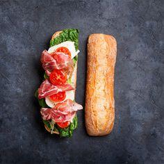 Sei a dieta, ma proprio non puoi evitare di pranzare fuori un giorno? Ecco 14 ricette per panini light
