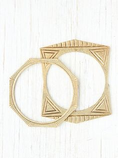 Bay Ave Engraved Geo Bracelet  http://www.freepeople.com/whats-new/bay-avenue-engraved-geo-brac/