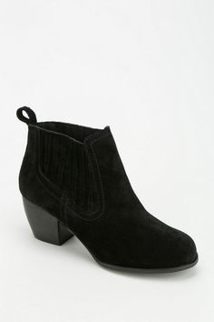 Urban Outfitters - Restricted Western Ankle Boot