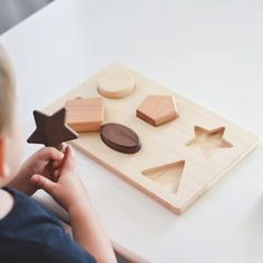 Chunky Shape Wooden Puzzle: Help your little one work on hand-eye coordination and learn shapes at the same time. Made with chunky shapes, it is easy for little hands to grasp them and fit into the correct spot. Toddler Toys, Baby Toys, Baby Play, Shape Puzzles, 3d Puzzles, Push Toys, Stacking Toys, Montessori Toys, Montessori Kindergarten