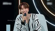 Super Junior Leeteuk, Bomber Jacket, Kpop, Jackets, Backgrounds, Down Jackets, Bomber Jackets, Jacket