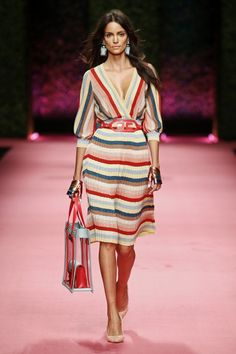 Elisabetta Franchi Spring Summer 2019 fashion show at Milano Fashion Week (September MFW RTW runway photos. Summer Fashion Outfits, Summer Outfits Women, Spring Summer Fashion, Trendy Fashion, Fashion Show, Fashion Dresses, Fashion Looks, Fashion Design, Fashion Trends