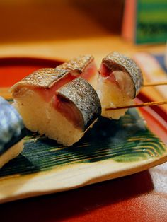 Travel Asian food Lightly pickled and grilled mackerel sushi き寿し