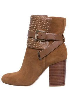 KRISTA - Nilkkurit - ruskea Caramel, Booty, Michael Kors, Ankle, Dark, Shoes, Fashion, Sticky Toffee, Moda