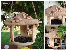 Krmítko pro ptáčky Hand Built Pottery, Slab Pottery, Ceramic Pottery, Ceramics Projects, Polymer Clay Projects, Clay Crafts, Ceramic Birds, Ceramic Flowers, Ceramic Art