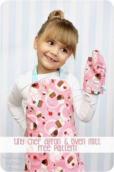 http://www.phomz.com/category/Oven-Mitts/ Tiny Chef Apron Toy Oven Mitt - Free Sewing Pattern