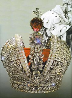 Imperial Crown of Russia created for the coronation of Catherine the Great, Russian Crown Jewels - The gold-and-silver crown made by a by oanagm Royal Crown Jewels, Royal Crowns, Royal Tiaras, Royal Jewelry, Tiaras And Crowns, Jewellery, Catherine La Grande, Corona Real, Catalina La Grande