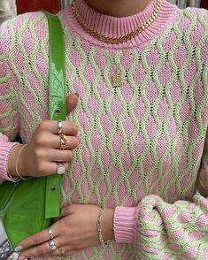 Classy Fashion Tips Colour Knit.Classy Fashion Tips Colour Knit Mode Outfits, Fashion Outfits, Womens Fashion, Fashion Tips, Looks Style, Style Me, Look Fashion, Spring Fashion, Feminine Fashion