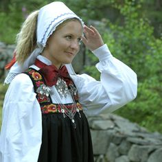 Folk costumes - Page 12 European Costumes, Going Out Of Business, Folk Costume, Traditional Outfits, Norway, Folk Art, Scandinavian, Ethnic, Female