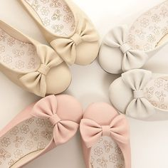 Pastel/neutral colored round tip flats!  and i absolutely need in my life!
