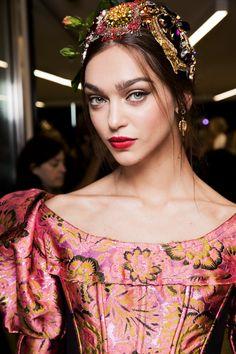 Zhenya Katava - Beauty at Dolce & Gabbana Spring 2017, Milan Fashion Week.