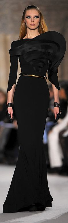 Stéphane Rolland-2013. #Fashion #Dresses #Style #Beauty #BlackDresses #Fashionshow
