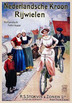Mooi fietsen, nee? (Plus, de traditionele hoeden van Volendam!)