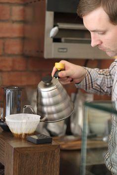 Laynes Espresso, Leeds - pour over coffee making