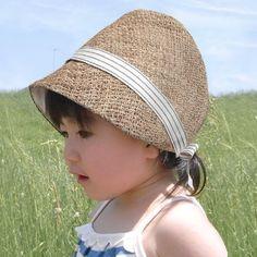 【5月より価格変更のお知らせ】2015年5月より「麦わら帽子」の価格を値上げさせていただくこととなりました麻の素材が年々高騰しており、毎年夏の定番としてご好評... ハンドメイド、手作り、手仕事品の通販・販売・購入ならCreema。