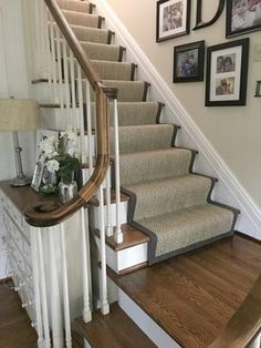 House Stairs, Carpet Stairs, Carpet Runners For Stairs, Foyer Decorating, Interior Decorating, Decorating Ideas, Home Renovation, Home Remodeling, Remodeling Contractors