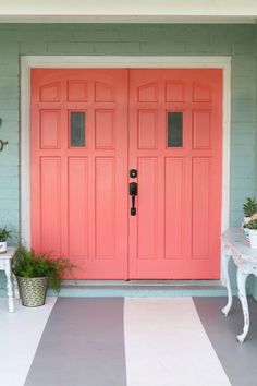 Loving these bright front doors! So easy to make a statement with bold front door paint choices using Curb Appeal paint. Such cheery front doors on a colorful porch. Coral Front Doors, Painted Front Doors, Front Door Colors, Front Door Decor, Home Decor Trends 2018, Tan House, Painted Interior Doors, Interior Paint, Interior Design