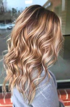 45 delicate spring hair color for brunettes balayage 2019 have a look 00004 Hair Color Ideas For Brunettes Balayage, Summer Hair Color For Brunettes, Blonde Balayage Highlights, Brown Hair With Blonde Highlights, Balayage Brunette, Balayage Hair, Ombre Hair, Fall Balayage, Gorgeous Hair Color