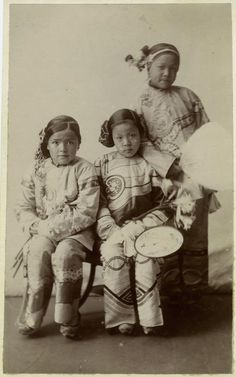 Chinese Girls Holding Fans.] From New York Public Library Digital Collections.