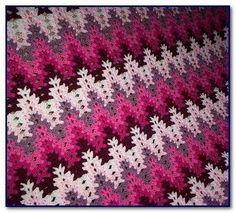 Amish Lacy Chevron Afghan Crochet Pattern - Bing Images Sponsored By: Grandma's Crochet Shop Crochet Afghans, Crochet Zig Zag, Crochet Ripple Blanket, Crochet Quilt, Manta Crochet, Crochet Home, Crochet Stitches, Free Crochet, Knit Crochet