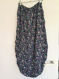 This is such a beautiful boho skirt...