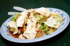 Covesia.com - Indonesia memiliki salad tradisional yang berasal dari Jawa, yakni gado-gado.Makanan ini dibuat dari berbagai campuran sayur mayur yang direbus,...