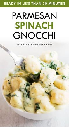 This parmesan spinach gnocchi is the perfect quick, cheesy, flavorful recipe for easy weeknight meals! Ready in just 30 Easy Weeknight Meals, Easy Meals, Easy Weekly Meals, Kitchen Recipes, Cooking Recipes, Crockpot Recipes, Great Dinner Recipes, Dinner For 2, How To Cook Gnocchi