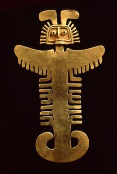 Precolumbian gold artifact from the renowned Museo del Oro in Bogotá, Colombia. Ancient Jewelry, Antique Jewelry, Colombian Art, Colombian Culture, Hispanic Art, Art Premier, Art Africain, Indigenous Art, Ocean Art
