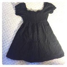 Flowy dress Black flowing dress; falls about mid-thigh; perfect for warm summer nights! Dresses Midi