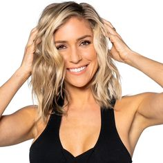 The dpHUE x Kristin Cavallari Brightening Powder is a transformative powder that instantly restores brightness and shine in just five minutes. Formulated with 15% Vitamin C and a chelating agent that acts like a magnet, gently drawing out minerals, metals, chlorine, and impurities. Removes product residue, too. Hair feels light, airy— back to its brilliant, healthy self. Most visible results on blondes and highlighted hair. Can be used on darker hair with no impact on hair color. How to use: App Medium Hair Styles For Women, Medium Hair Cuts, Short Hair Styles, Blonde Hair Looks, Dark Blonde Hair, Pretty Hairstyles, Straight Hairstyles, Unique Hairstyles, Bob Hairstyles