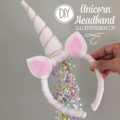 After long, long last, the day you have all been waiting for has finally arrived. The DIY Unicorn Headband Tutorial from our super popular Unicorn Party is here! (If you missed the party, get all of the adorable details here ). Y'all have b Diy Unicorn Headband, Diy Unicorn Party, Rainbow Unicorn Party, Unicorn Crafts, Diy Headband, Unicorn Birthday Parties, Girl Birthday, Unicorn Hat, Diy Unicorn Costume